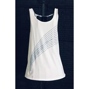 "Like New ""Size Medium"" Super Sporty Athletic Top"